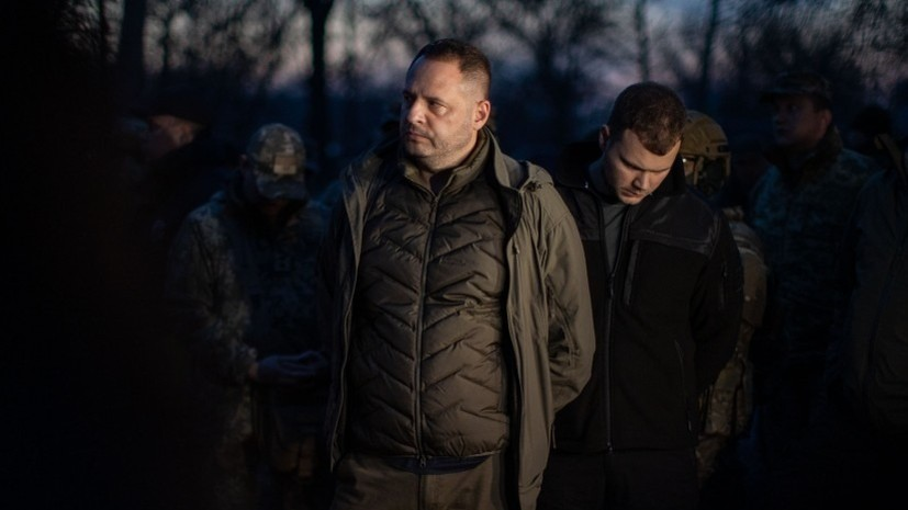 Помощник Зеленского допустил предоставление новых полномочий Донбассу