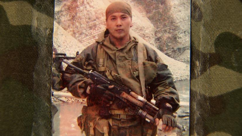 Героем себя не считает: RT пообщался с солдатом, в одиночку преградившим в 2008 году дорогу колонне грузинских войск