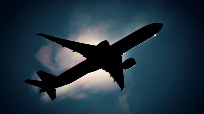 Пассажирский Як-42 возвращается в аэропорт Уфы из-за отказа двигателя