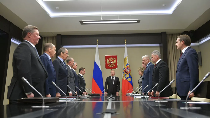 Путин рассказал членам Совбеза о встречах на нормандском саммите