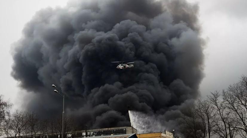 В МЧС уточнили данные о ликвидации пожара на складе в Москве
