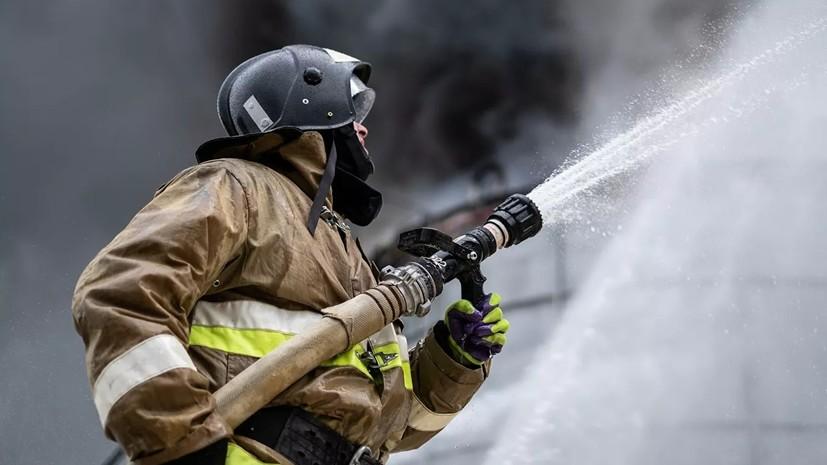 Из девятиэтажного дома в Татарстане эвакуировали более 50 человек из-за пожара