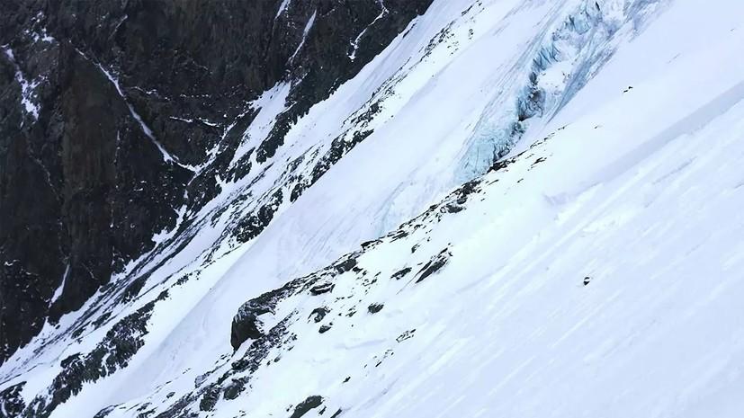 Власти Сочи предупредили о лавиноопасности в горах