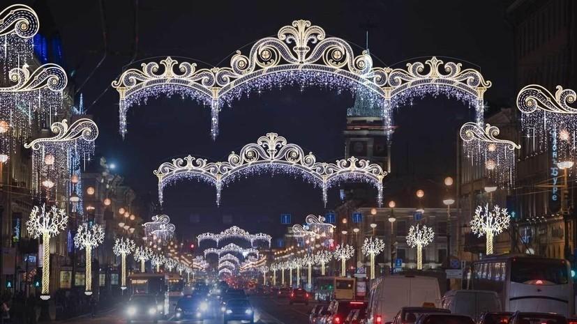 В Петербурге закрыли парки и скверы из-за непогоды