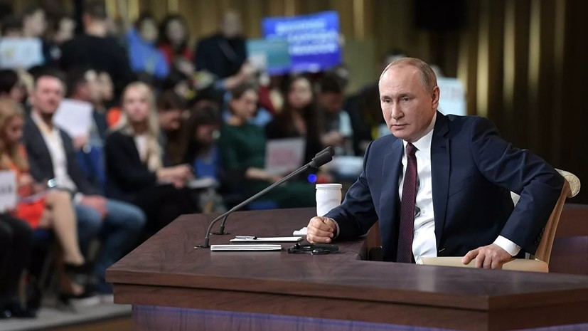 Путин поздравил журналистов с наступающим Новым годом