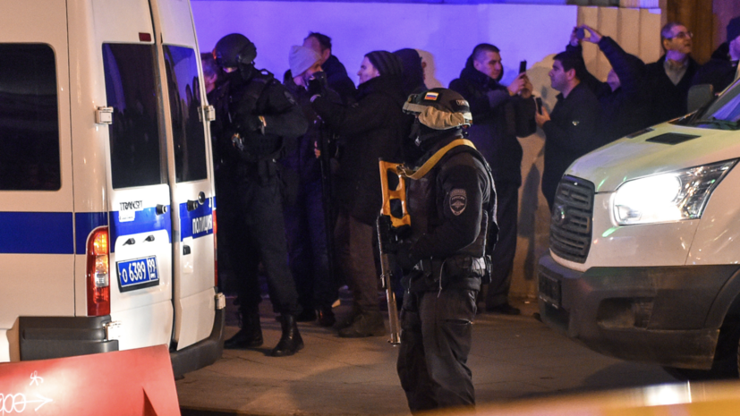 Два сотрудника ФСБ получили тяжёлые ранения при стрельбе на Лубянке