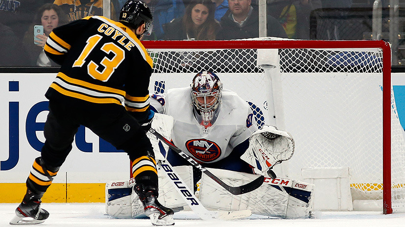 «Спасение года» Варламова, 45 сейвов Худобина и 15-я шайба Свечникова: российские хоккеисты провели ударный вечер в НХЛ