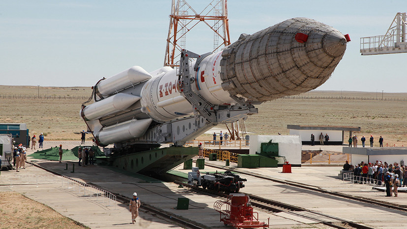 Ракета «Протон-М» вывезена на стартовый комплекс Байконура