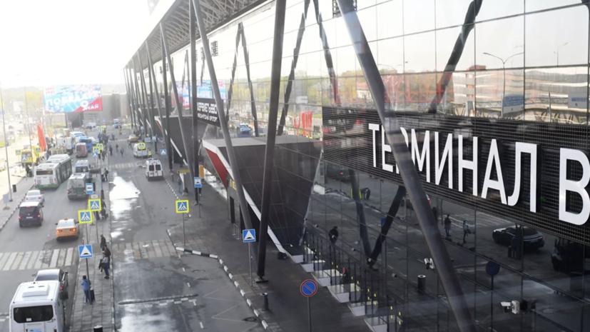 В аэропорту Шереметьево самолёт SSJ-100 выкатился на грунт