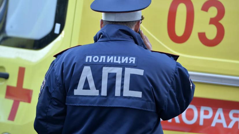 Шесть человек пострадали при съезде автобуса в кювет под Псковом
