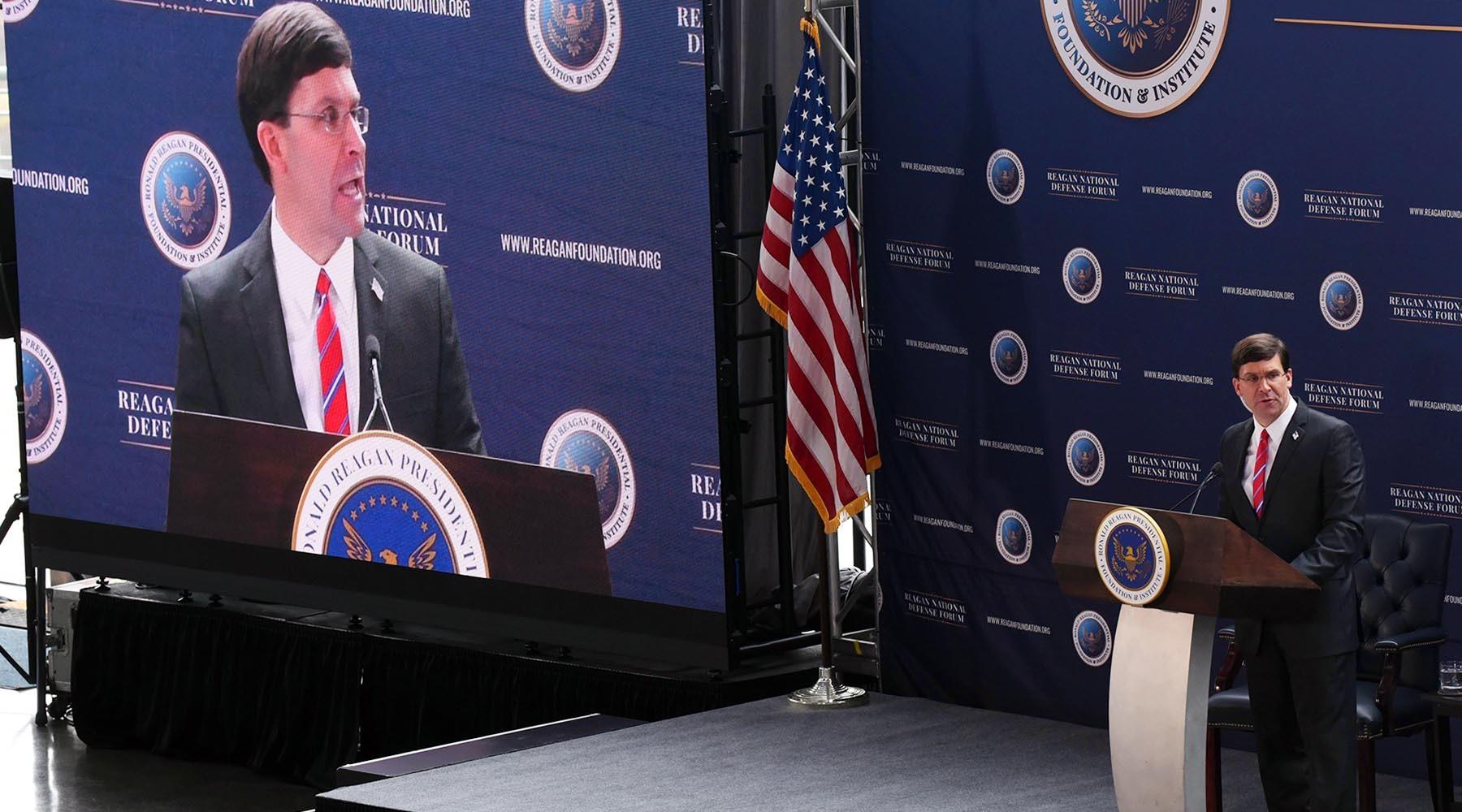 «Вынуждены нагонять»: почему глава Пентагона заявил об отставании от России в области гиперзвука
