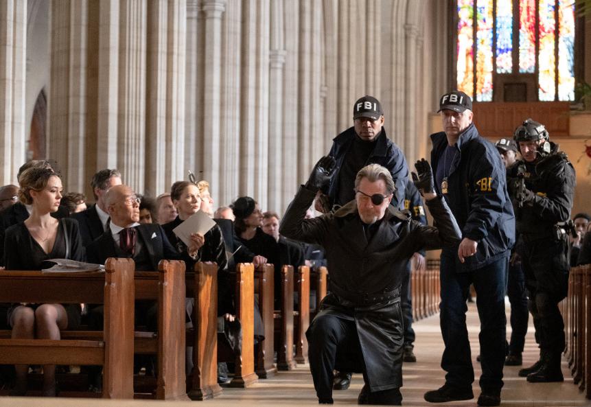 Пресные персонажи и скудное действие: почему боевик «Курьер» не спасает даже мотокомбинезон Ольги Куриленко