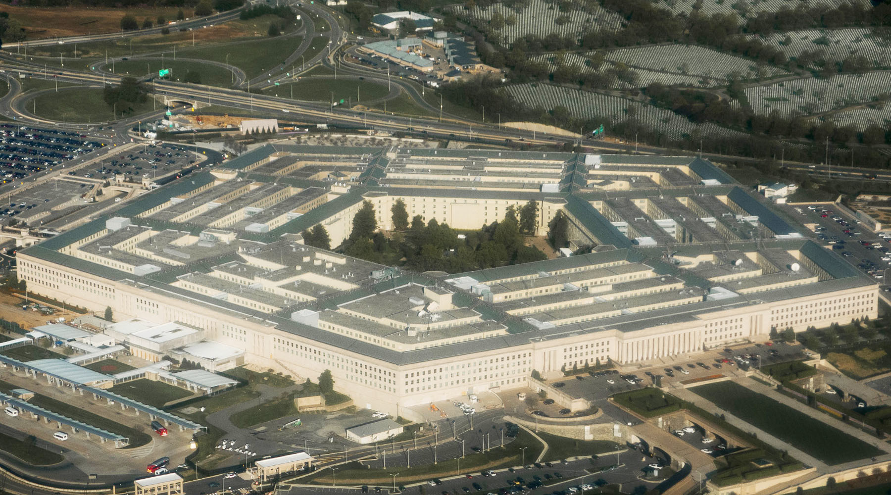 На смену «адскому пламени»: зачем США наращивают производство ракет класса «воздух — земля»