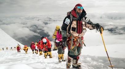 «Достаточно верить в себя»: непальский альпинист — о покорении 14 самых высоких гор мира за рекордное время