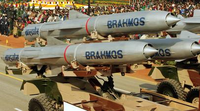 Ракеты BrahMos на параде в Индии