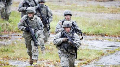 Военнослужащие армии США во время учений в Латвии