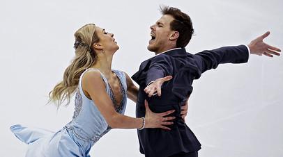 Виктория Синицина и Никита Кацалапов выступают в ритмическом танце на чемпионате России по фигурному катанию в Красноярске.