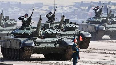 Смотр военной техники армии России