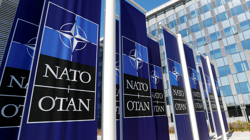 НАТО приостановило обучение силовых структур в Ираке