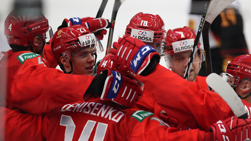 Сборная России забросила третью шайбу в ворота Швеции в полуфинале МЧМ