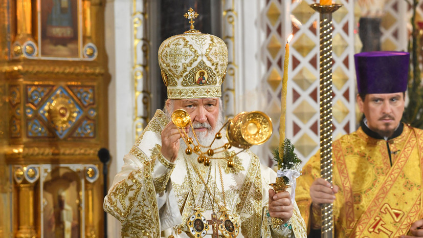 Патриарх Кирилл начал рождественскую службу в храме Христа Спасителя