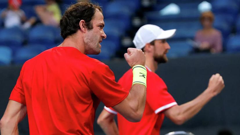 Габашвили и Кравчук обыграли аргентинцев в парном матче на ATP Cup