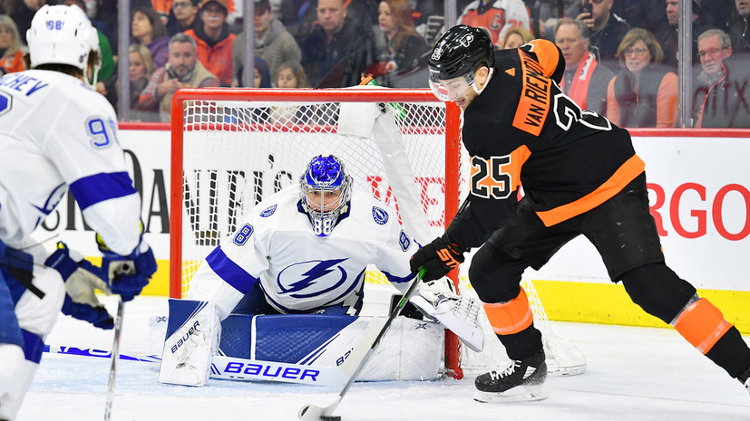 «Тампа» с минимальным счётом обыграла «Филадельфию» в НХЛ