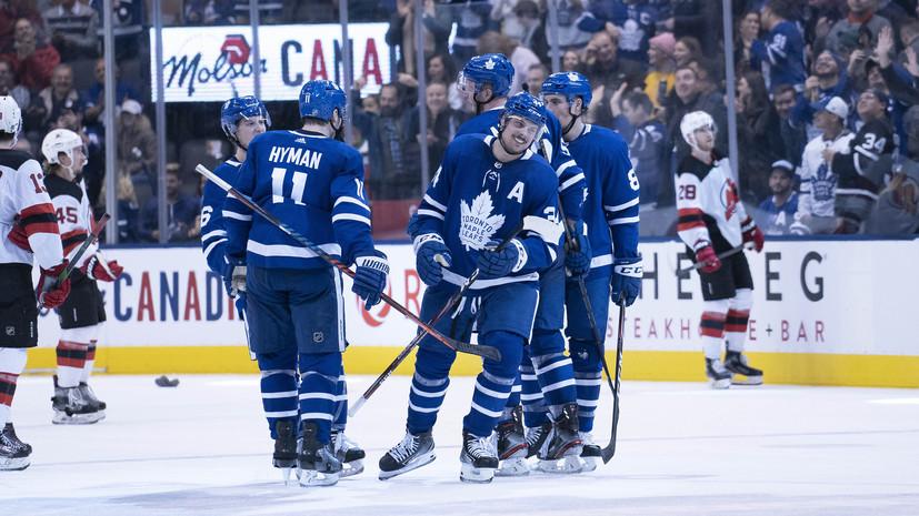 «Нью-Джерси» уступил «Торонто» в НХЛ, несмотря на результативную передачу Гусева