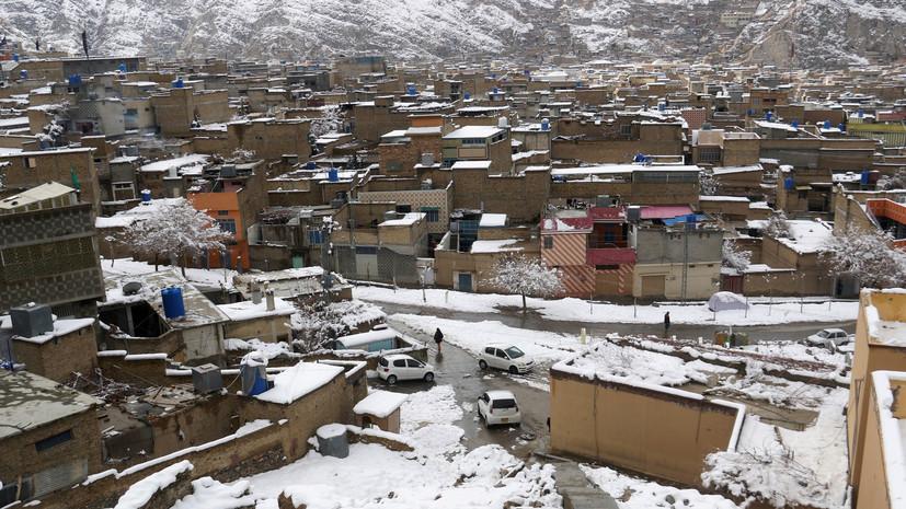 СМИ: В Пакистане 93 человека погибли из-за ливней и снегопадов