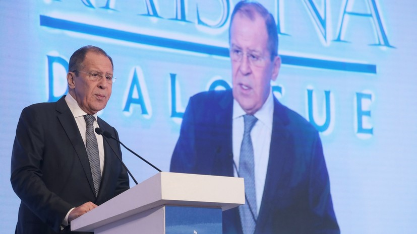 Лавров рассказал о поэтапном отказе экономики России от доллара