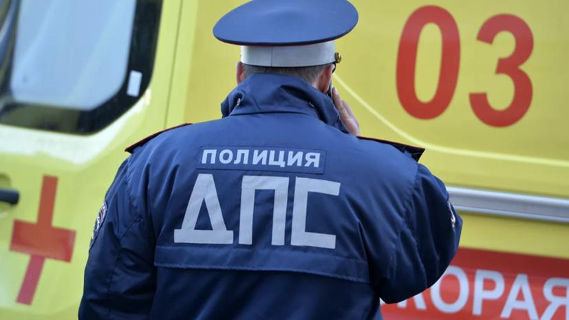 В Краснодаре произошла авария с тремя машинами