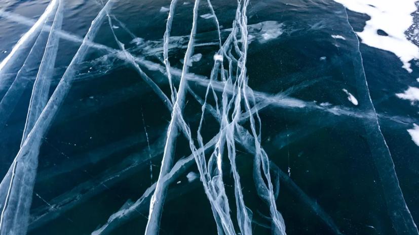 Спасатели предупредили об опасности выхода на лёд Байкала