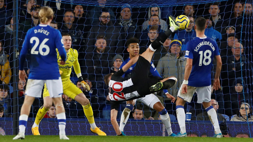 «Ньюкасл» в добавленное время отыгрался с 0:2 в матче с «Эвертоном»