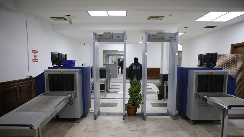 Ракетный обстрел привёл к приостановке работы аэропорта в Триполи