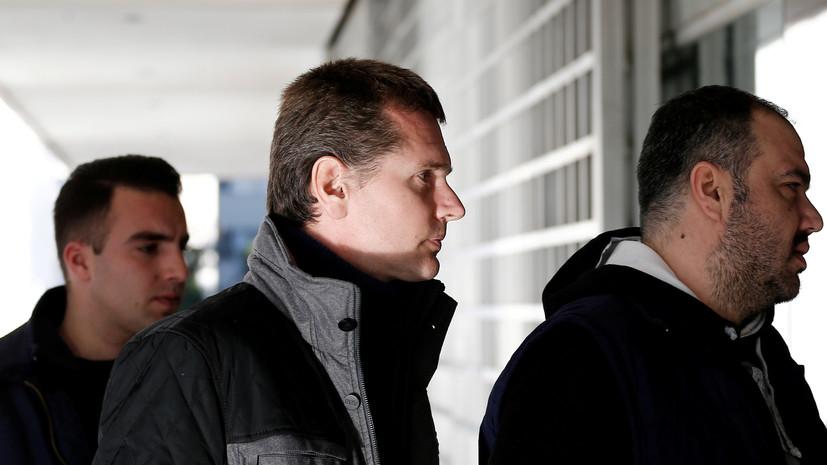 Винника забрали из больницы в Греции и увезли в аэропорт