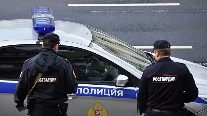Полиции и Росгвардии в Москве и Петербурге установили надбавку