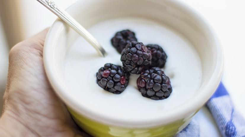 В Роскачестве сравнили йогурт с другими источниками кальция