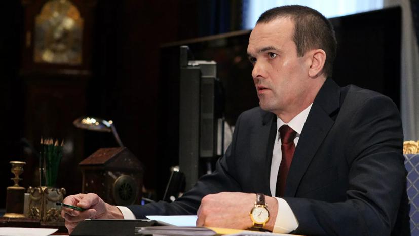 Кремлю известно об инциденте с главой Чувашии и сотрудником МЧС