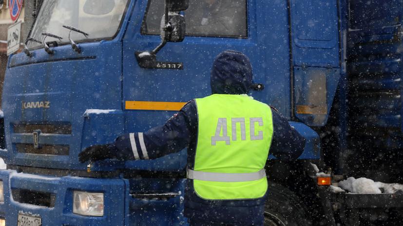 В Якутии перевернулся автобус с вахтовиками