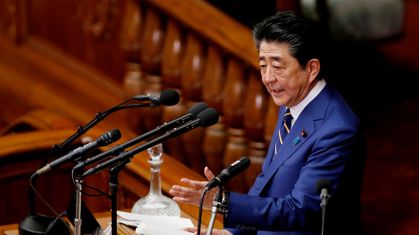 Абэ рассматривает возможность визита в Москву 9 мая