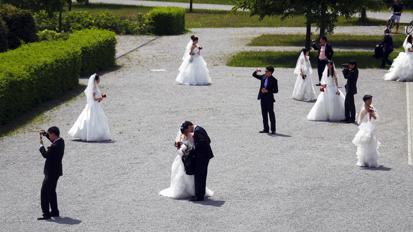 В Китае советуют отказаться от свадеб 2 февраляиз-за коронавируса