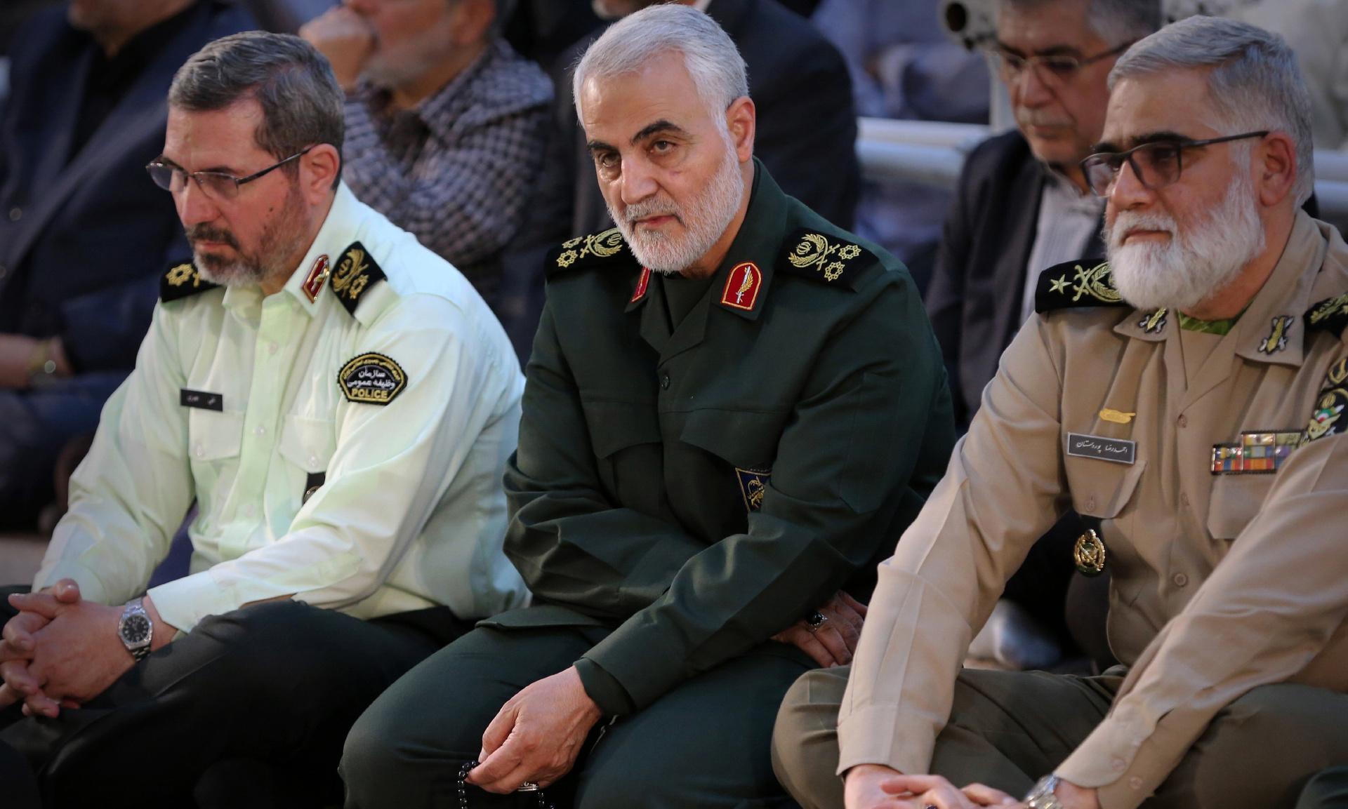 «Война слов и угроз»: СМИ сообщили о переброске стратегических бомбардировщиков США ближе к Ирану