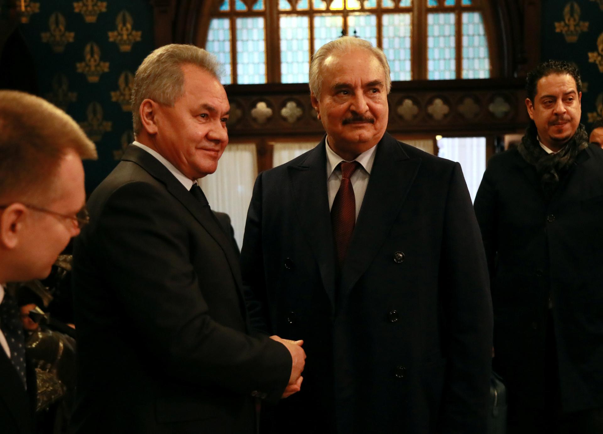 «Хочет сделать вклад в успех берлинской конференции»: в ФРГ сообщили о готовности Хафтара соблюдать перемирие в Ливии