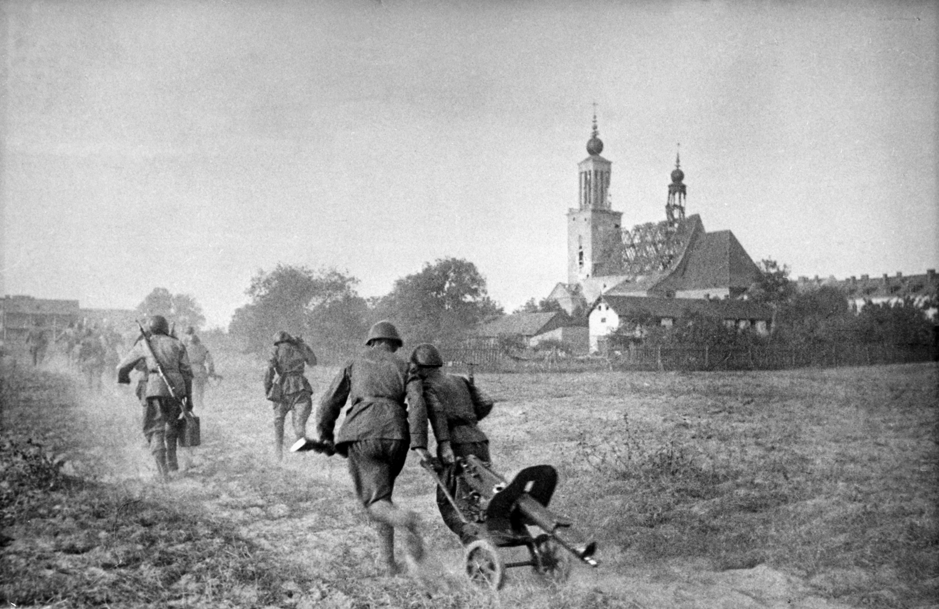 #ТвитыПобеды: Варшава освобождена! События 1945 года в реальном времени
