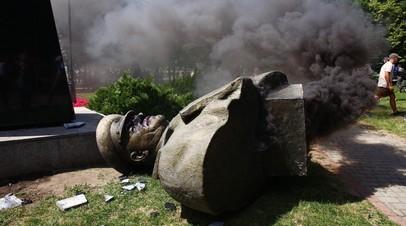 «Процедуру легко затянуть»: почему на Украине до сих пор не составлен реестр памятников Второй мировой войны