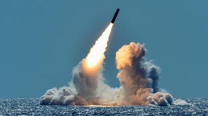 Пуск морской ракеты Trident II с подлодки класса Ohio