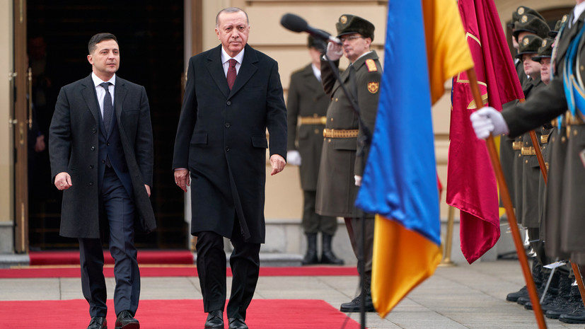 С чем связано сближение Киева и Анкары