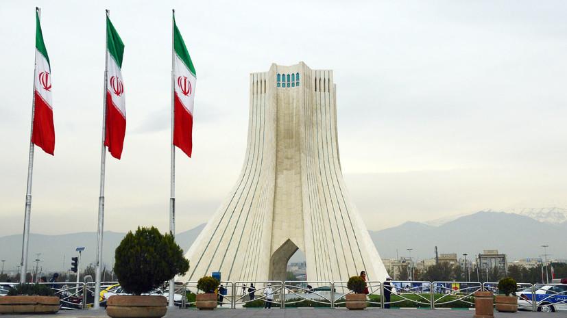 Иран представил новую ракету с композитным двигателем
