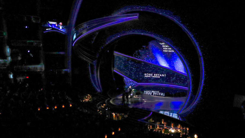 На церемонии вручения премии «Оскар» почтили память погибшего баскетболиста Брайанта