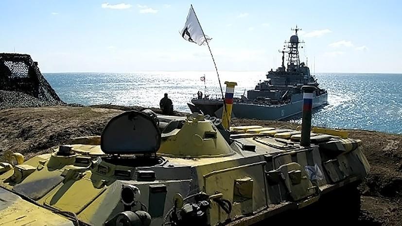 Морпехи ЧФ провели тренировку по погрузке на десантный корабль
